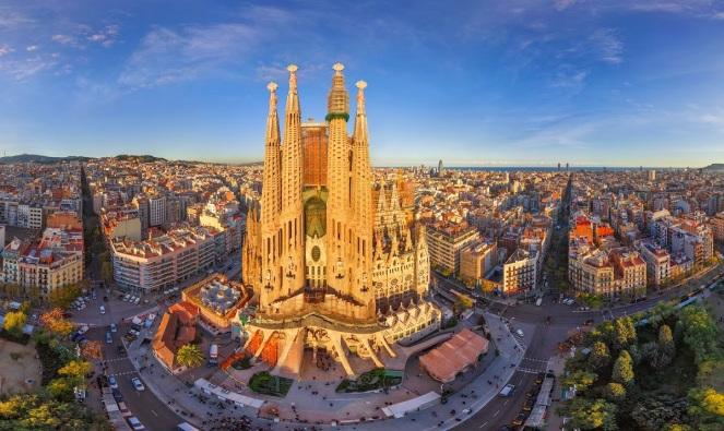 90-La-Sagrada-Familia-Barcelona